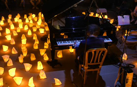 Imagen descriptiva del evento David Gómez: 1 Piano & 200 Velas